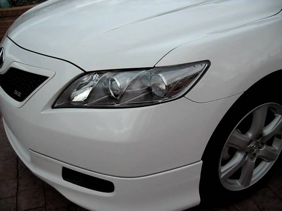 2009 Toyota Camry Se White With Clear Headlights Spoiler