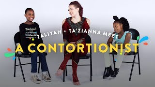 Kids Meet a Contortionist (Taliyah & Ta'Zianna) | Kids Meet | HiHo Kids