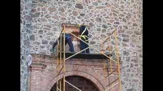 On The Job - At a Church in Mexico (en español) Thumbnail