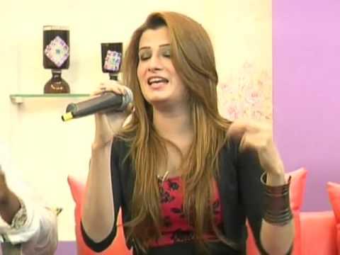 Komal Malik sing Live song