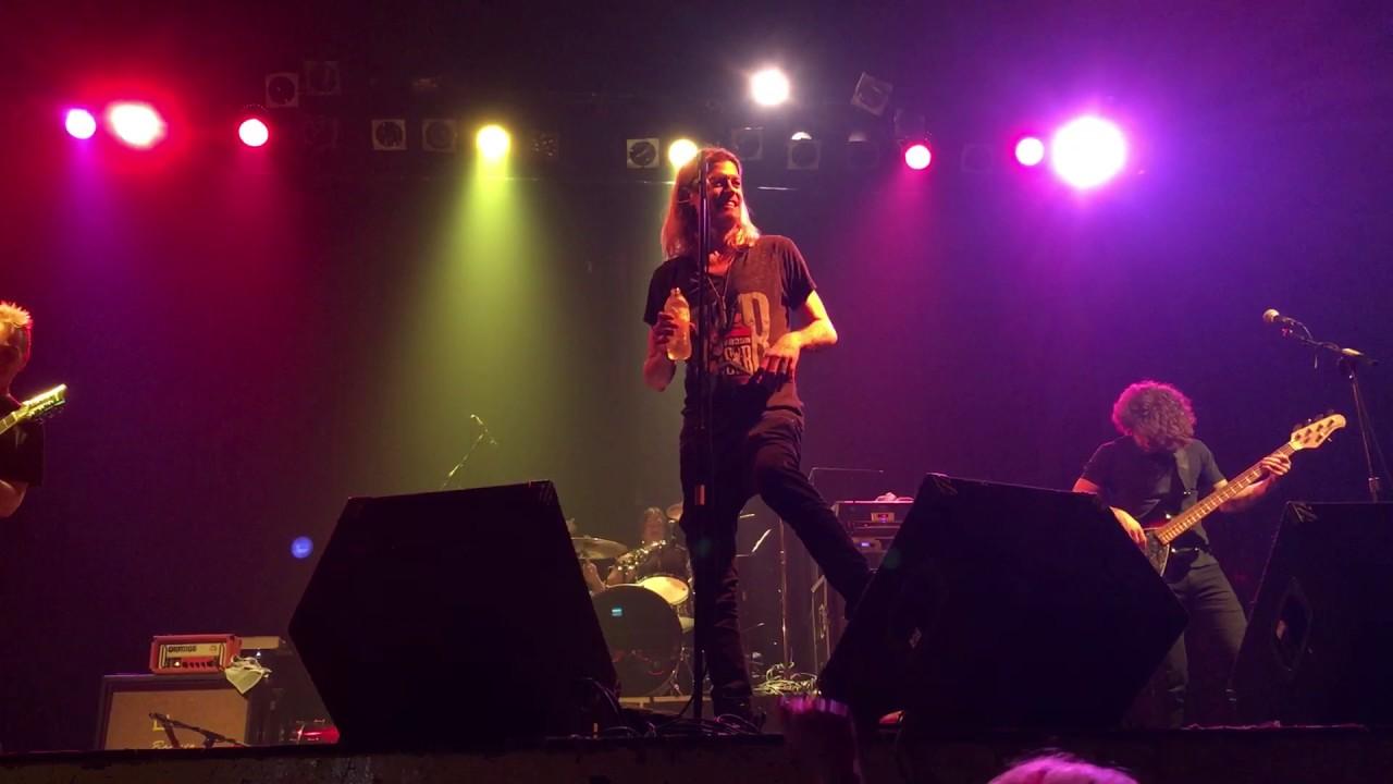 Puddle of mudd she hates me live