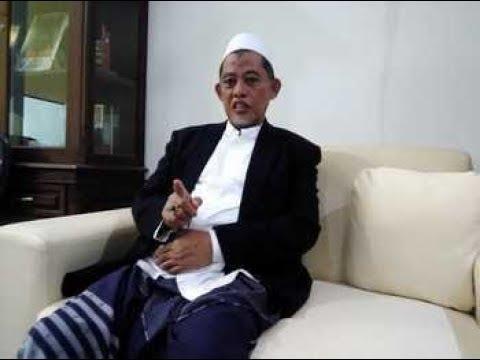 NGAJI KITAB KUNING, Drs.KH. CHOLIL DAHLAN PENGASUH PONPES DARUL ULUM JOMBANG