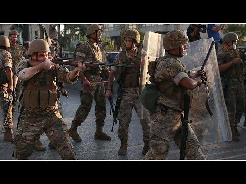نشر عناصر للجيش اللبناني في بيروت بعد وقوع اشتباكات بين أنصار حزبين مسيحيين …