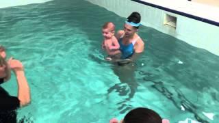 Работа на пресс -Обучение плаванию в бассейне в Минске для детей (Курсы,Секция,занятия)
