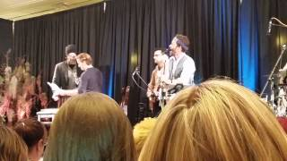 "Jensen sings ""I Don"
