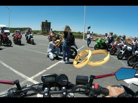 Pedido de Noivado antes do Evento de Moto