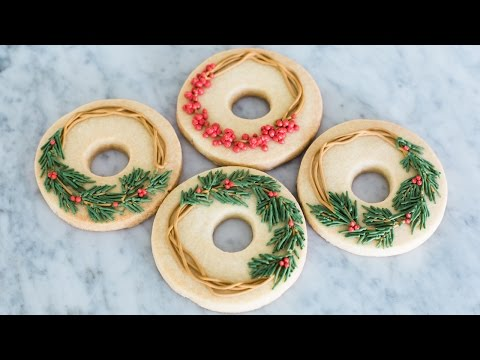 Cedar and Holly Wreath Cookies For the Winter Holiday Season!