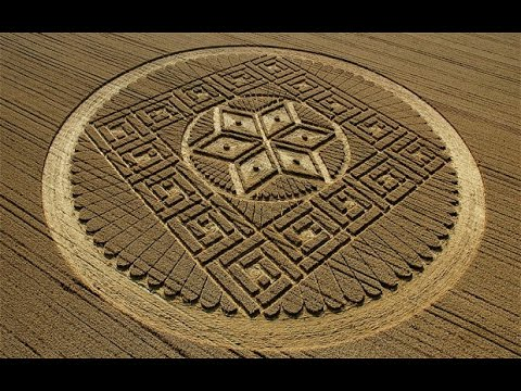 Crop Circles: The World's Most Outrageous Mystery - Richard Creightmore