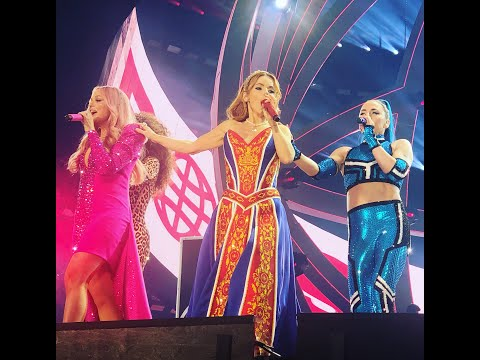 Spice Up Your Life - Spice Girls Live In Dublin (Spice World Tour 2019)