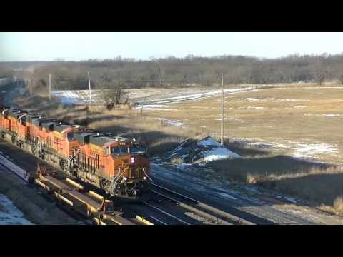 HD: 12/28/13 BNSF Trains On The Marceline Subdivision