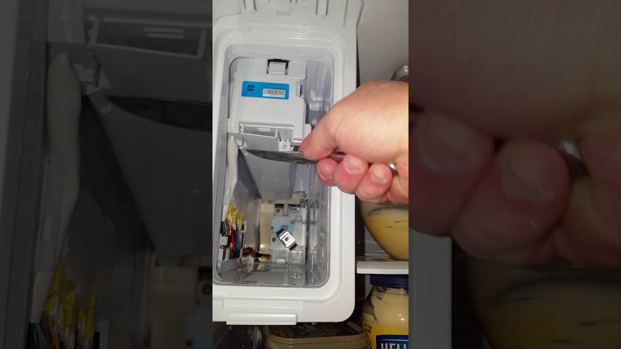 Samsung refrigerator ice tray removal