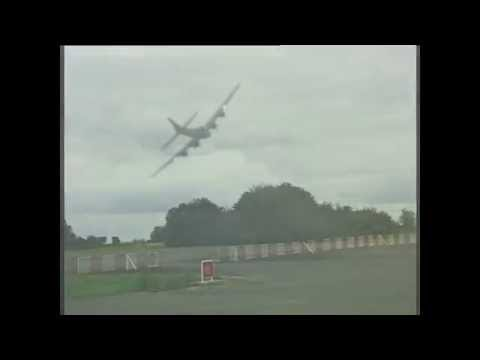 Boeing B17 La Ferté-Alais low pass
