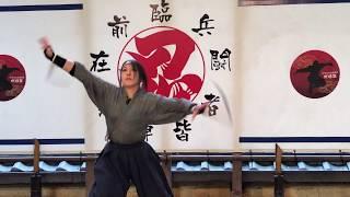伊賀流忍者博物館「忍術実演ショー」動画:「くノ一」戦闘シーン thumbnail
