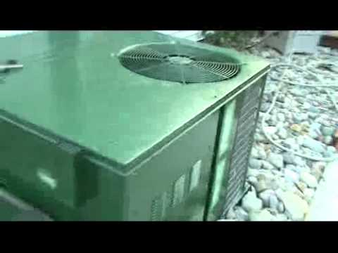 RUNNING AC A YORK OUTDOOR COMBO AC & FURNACE UNIT - YouTube