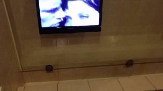 Туалет в одном из ресторанов города Полтавы(Посетив город Полтаву, зашёл в ресторанчик и увидел интересную картину....., 2015-06-03T17:48:55.000Z)