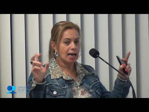 Conscious Living - Servir sem Exigir - Libia Saigg