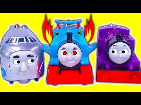 Winged Jet Thomas Hugo & Skiff Ryan & Jerome Trackmaster Train Race Crashes Fun