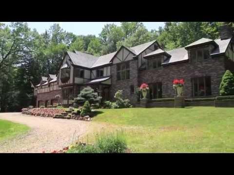 Video Tour: 44 Guenevere Ct, Hamden CT