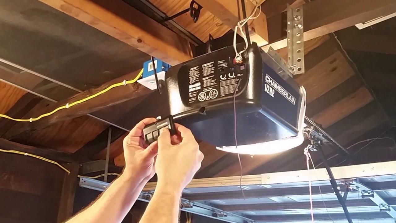 how to program a chamberlain garage door remote control opener youtube [ 1280 x 720 Pixel ]