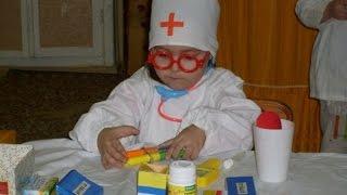 Детская игра в больницу! Маленький доктор.(Все дети любят играть в больницу и набор «Маленький доктор» обязательно станет отличным подарком для Вашег..., 2014-07-15T06:36:53.000Z)