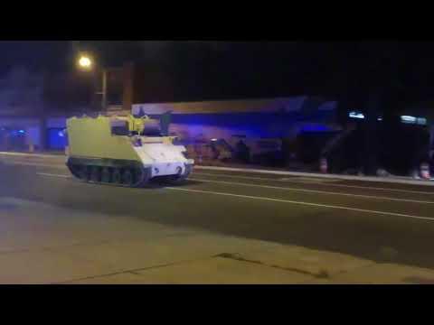 La policía persigue un tanque robado en Virginia
