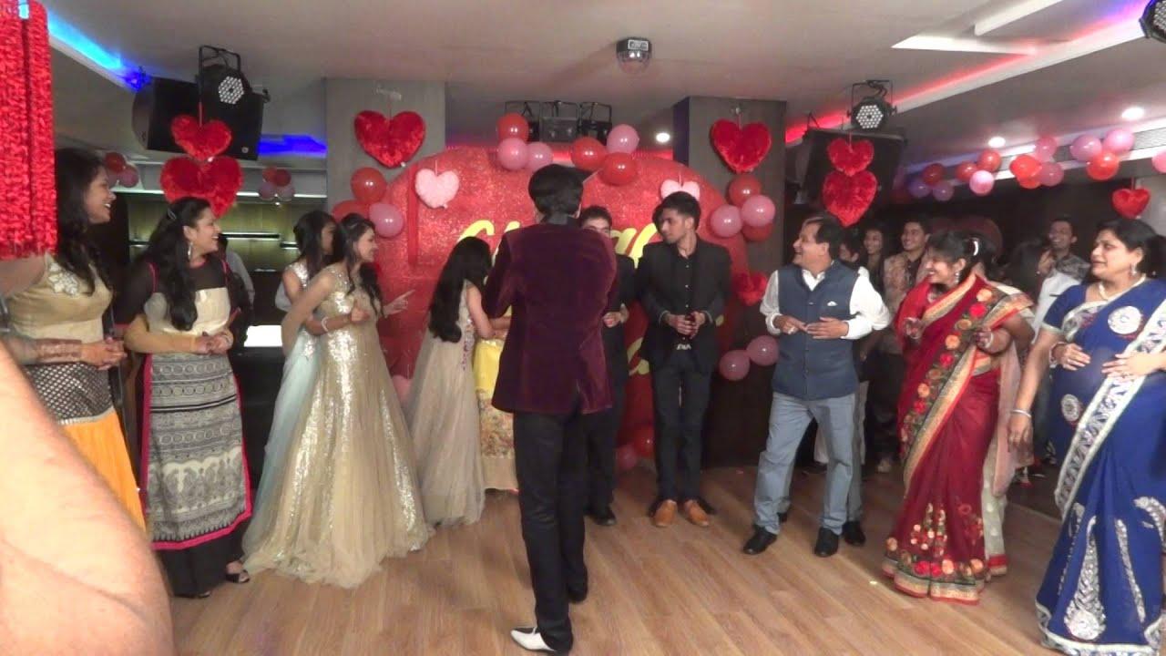Amitabh bachchan jaya bachchan celebrate rd wedding anniversary