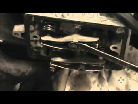 Adjusting the OHV valves on a Briggs 17 5 Intek
