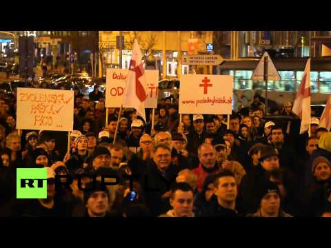 Slovakia: Thousands of anti-government protesters march in Bratislava