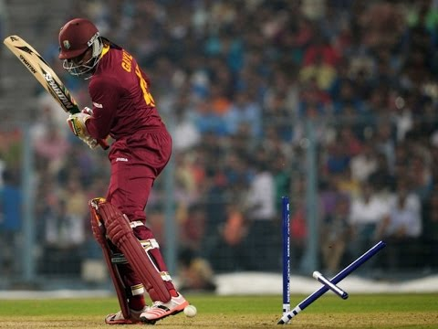 chris gayle bowled out by bumrah