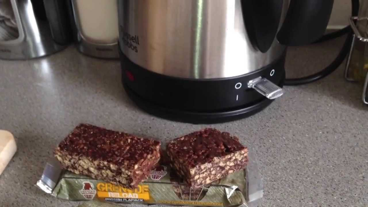 Grenade Reload Protein Flapjack (Chocolate Browning) - YouTube