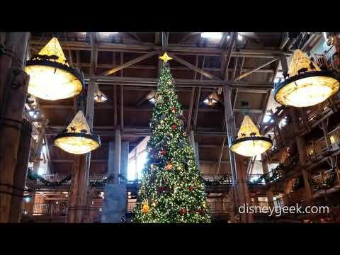 WDW: Disney's Wilderness Lodge - Lobby @ Christmas Time
