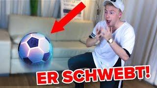 Dieser Fußball fliegt von selbst ! 😱 II RayFox