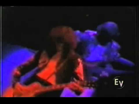 LED ZEPPELIN LIVE 1975  full (show completo)part 2