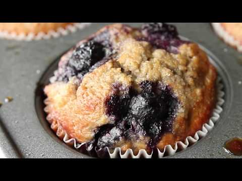 Blueberry Muffins Recipe - THE BEST HEALTHY AND EASY BREAKFAST MUFFIN