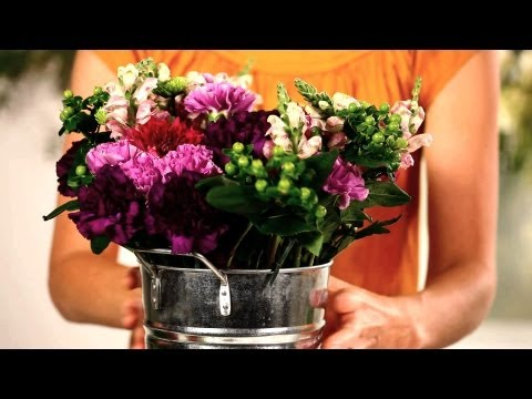 How to Arrange Inexpensive Flowers | Wedding Flowers