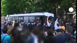 أول مظاهرة نسائية للمنتقبات فى فرنسا ردا على تفعيل قانون منع النقاب فى الاماكن العامة