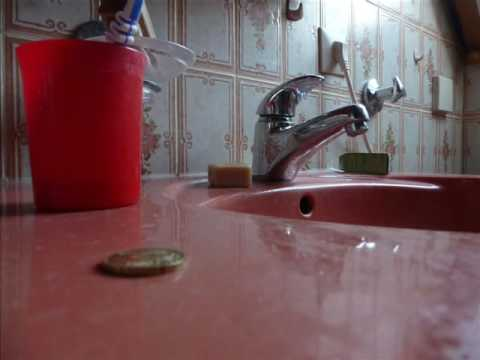 Travelling coin: the sink
