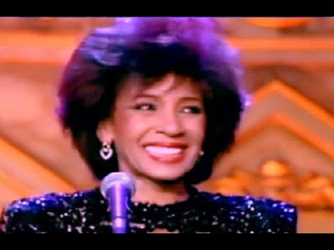 Shirley Bassey - How Do You Keep The Music Playing?  (1991 Live)