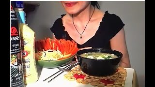 asmr eating sounds : vegetable soup & salad