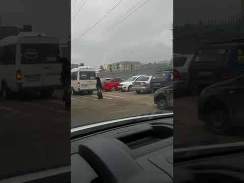 Парковка в Краснодаре около Краевой больницы. Ул 1 мая.