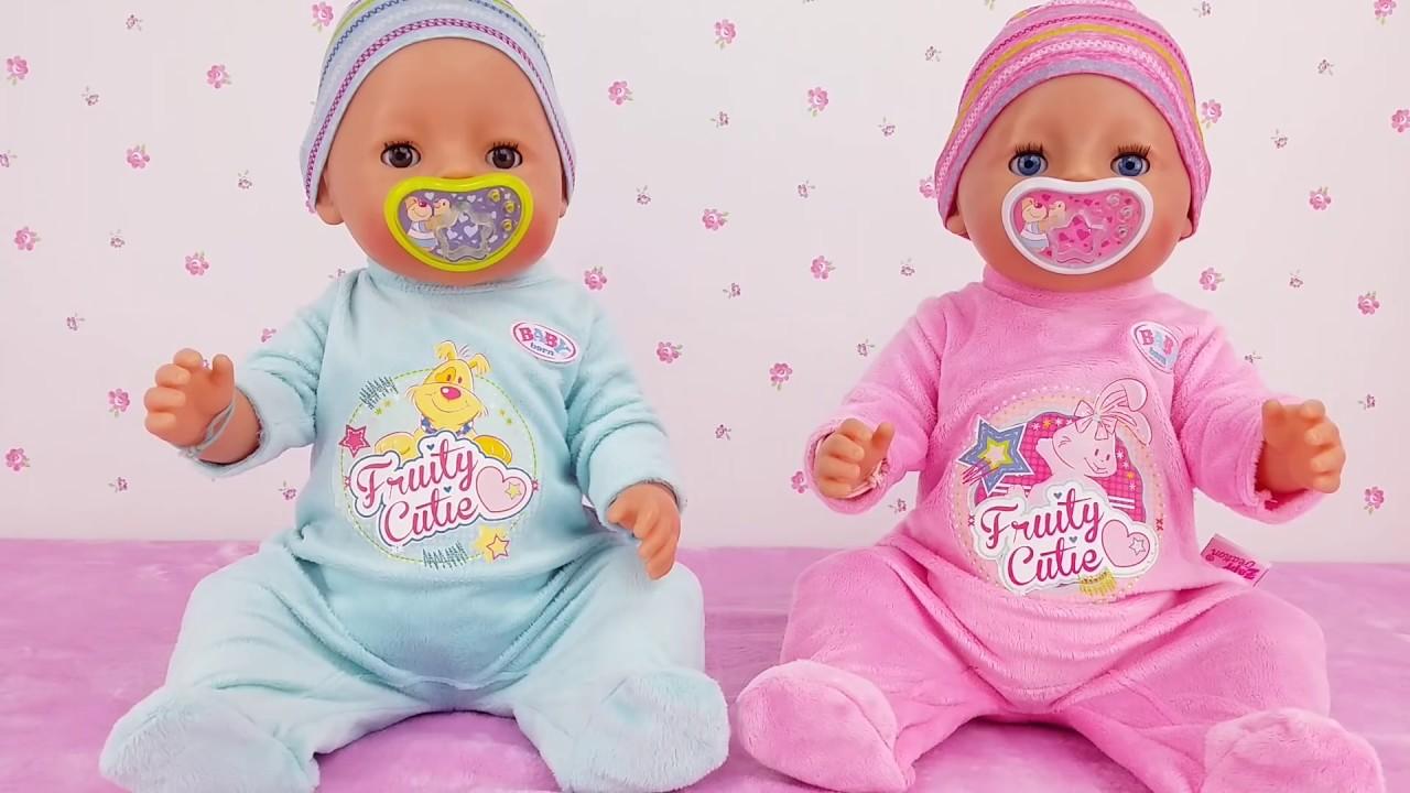 1c42780ea8 Bruno y Abril estrenan saquitos Rutina de noche Baby Born en español ...