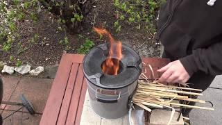 Ecozoom Versa Raketenofen - Test  mit alternativen Brennstoffen