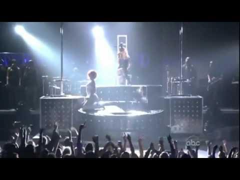 Dailymotion Rihanna Ft Britney Spears S M Live @ Billboard Music Awards 2011 HD une vidéo Música