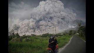 Abu Vulkanik Tutupi Sejumlah Sekolah, Siswa Diliburkan thumbnail