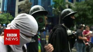 Meet \'The Resistance\': Venezuela\'s frontline protest army- BBC News
