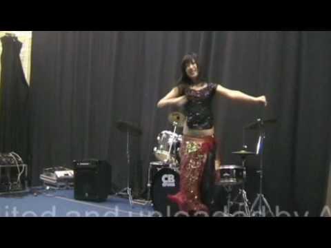 Ishq to gale se lagale dance performed by Dharane chhori on Dharane Bhela 2010 UK