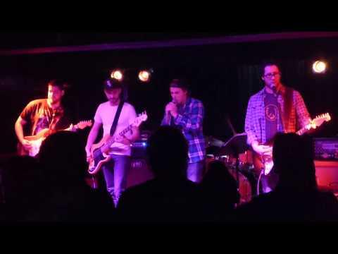 GrungeStory - Black Hole Sun/Plush (Live in Montreal)
