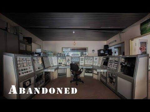 ABANDONED OLD RADIO STATION FOUND OLD EQUIPMENT STILL TRANSMITTING