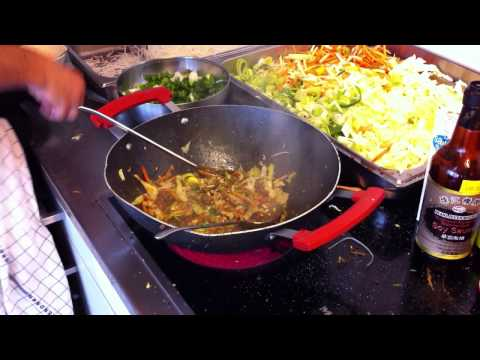 how to cook pad-thai , fry noodles