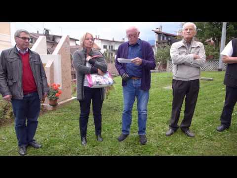 Verlesung des Grußwortes von Landrat Peter Dreier am Hugo-Resch-Denkmal in Roana/Italien
